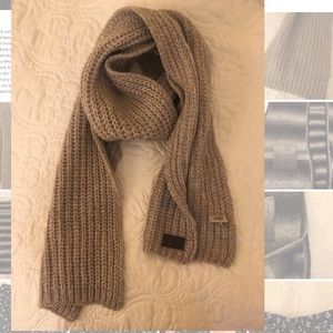 UGG KNITTED SCARF